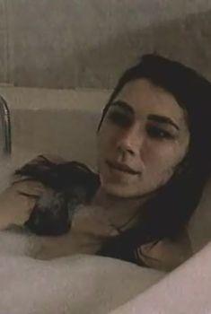 Голая грудь Ирины Мельник в фильме «Тупик», 1998