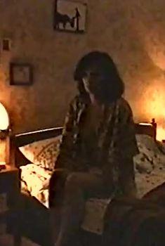 Голая грудь Ирины Шмелевой в фильме «Сказка на ночь», 1991