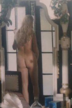Милая Карина Золотова снялась голой в фильме «Казино», 1992