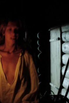Кристина Кузьмина засветила грудь в сериале «Василиса», 2013