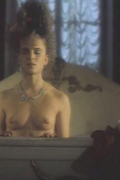 Лариса Шахворостова снялась голой в фильме «Простодушный», 1994