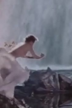 Любовь Орлова снялась голой в фильме «Русский сувенир», 1960