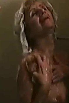 Любовь Фруктина снялась голой в фильме «Темные аллеи», 1991