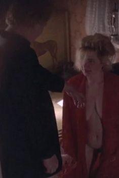 Марина Гайзидорская снялась голой в фильме «Увидеть Париж и умереть», 1992