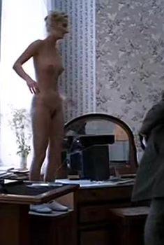 Полностью голая Мария Зорина в фильме «Кино про кино», 2002