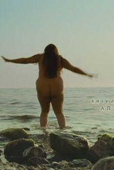 Полностью голая Мария Сокова в фильме «Русалка», 2007