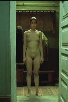 Марта Янева снялась голой в фильме «Заброшенный дом», 2006