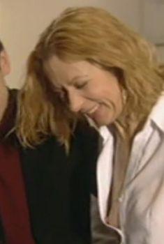 Оксана Мысина засветила сиськи в сериале «Семейные тайны», 2001