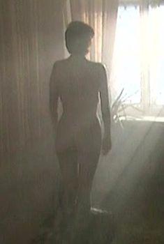 Голая попа Оксаны Сташенко в сериале «Красная площадь», 2004