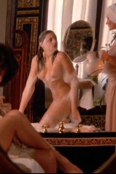 Абсолютно голая Оливия д'Або в фильме «Болеро», 1984