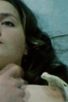 Голая грудь Ольги Битюковой в фильме «Утренний обход», 1979