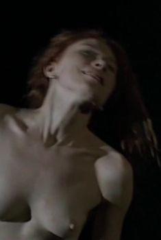 Абсолютно голая Ольга Дегтярева в фильме «Железная дорога», 2007