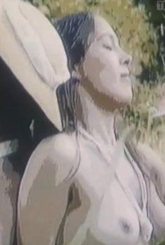 Голая грудь Ольги Тарасенко в фильме «Восточный роман», 1992