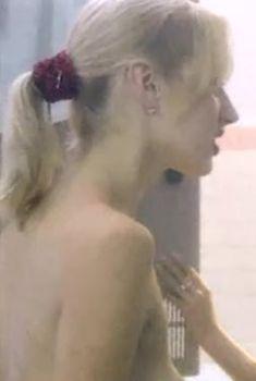 Ольга Чурсина засветила грудь в сериале «Виллисы», 2002