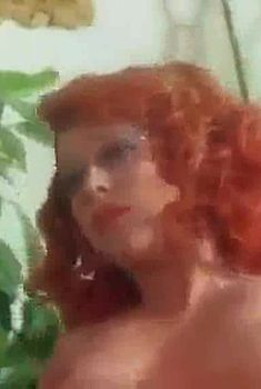 Риа де Симоне оголила грудь и попу в фильме «Учительница естественных наук», 1976