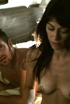 Роксана Зал оголила грудь в фильме «Тройная подстава», 2004