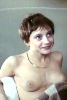 Татьяна Кривицкая показала голые сиськи в фильме «Приятель покойника», 1997
