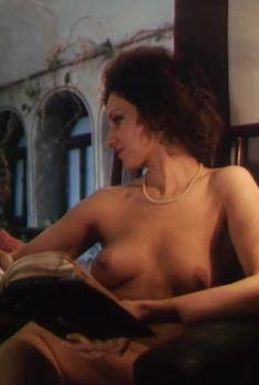 Полность голая Татьяна Титова в фильме «Секрет виноделия», 1994
