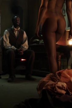 Голая попа Тессы Томпсон в сериале «Легавый», 2012