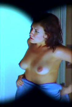 Тиффани Шепис оголила грудь и попу в фильме «Мерзкий тип», 2006