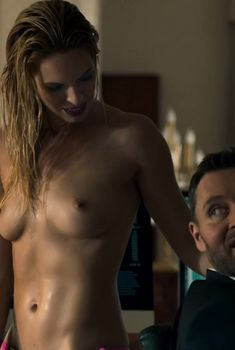 Фанни Маллер оголила грудь и попу в сериале «Ответный удар», 2010