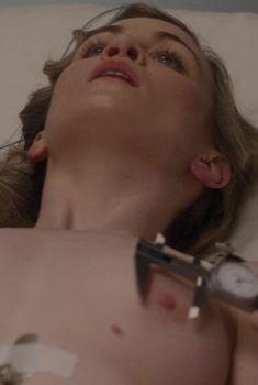Голая грудь Шарлотты Чанлер в сериале «Мастера секса», 2013