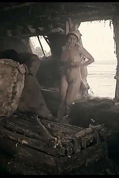 Юлия Мен снялась голой в фильме «Кочегар», 2010