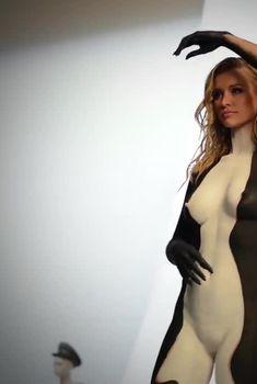 Джоанна Крупа обнажилась для социального рекламного ролика, 2015