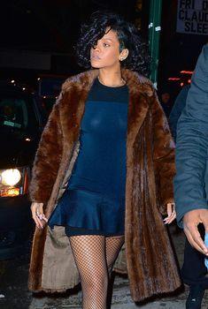 Засвет сосков Рианны в Нью-Йорке, 18.12.2013