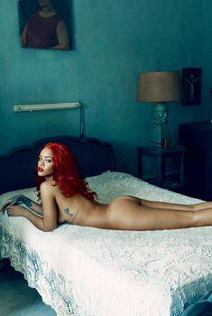 Голая задница Рианны в журнале Vanity Fair, Ноябрь 2015