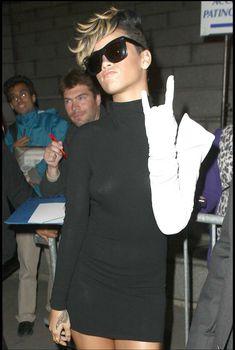 Красотка Рианна в прозрачном платье без лифчика, 2009