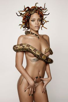 Секси Рианна со змеейм на обнаженном теле для журнала GQ, Декабрь 2013