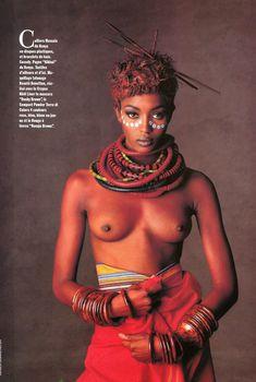Голые сиськи Наоми Кэмпбелл в журнале Vogue, Апрель 1991