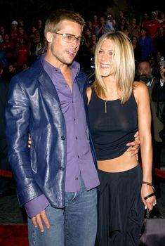 Дженнифер Энистон засветила грудь  на премьере фильма «Рок-звезда», 04.09.2001