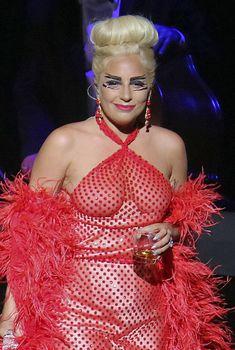 Леди Гага светанула сосками в Ванкувере, 25.05.2015