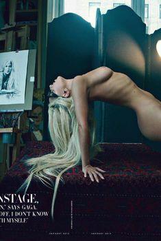 Голое тело Леди Гаги в журнале Vanity Fair, Январь 2012