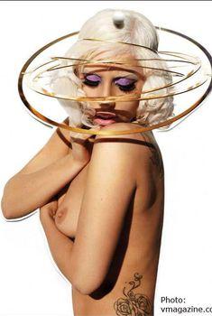 Голая сочная грудь Леди Гаги в журнале V Magazine, Июль 2009