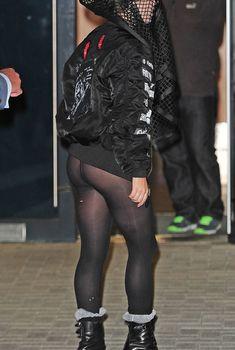 Леди Гага в черных колготках на похоронах Майкла Джексона, 2013