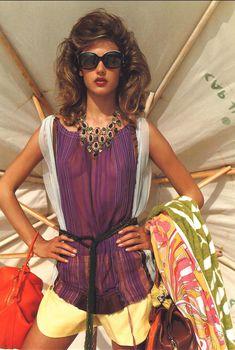 Алессандра Амбросио в прозрачной блузке для журнала Marie Claire, Январь 2003