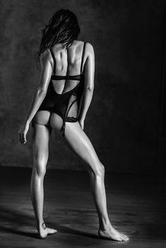 Голая попка Адрианы Лимы в фотокниге Angels, 2014