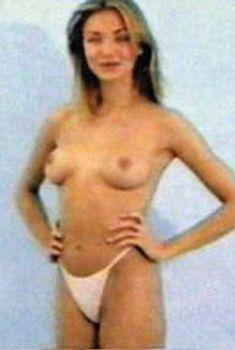 Молодая  Камерон Диаз позирует голой в 90х