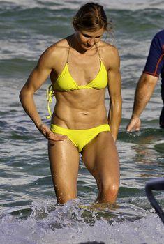 Спортивное тело Камерон Диаз в бикини в Майями, 2011