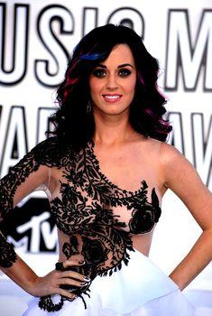 Голый засвет Кэти Перри на премии MTV Video Music Awards, 2010