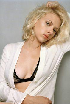 Cексапильная Скарлетт Йоханссон в фотосессии для Esquire 2005, 2005