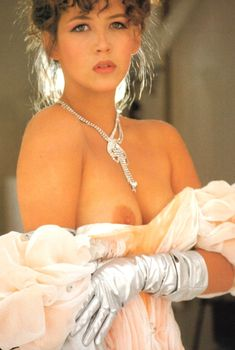 Возбуждающая Софи Марсо разделась для журнала Lui, 1990