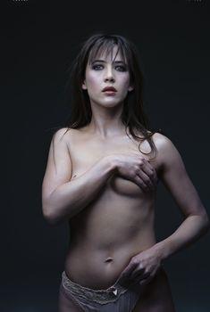 Соблазнительная Софи Марсо в фотосессии Мишеля Комте, 1998
