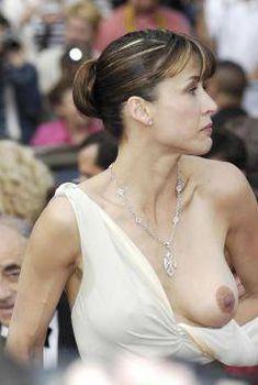 Софи Марсо засветила грудь на Каннском кинофестивале, 2005