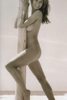 Хайди Клум позирует голой для календаря Pirelli, 2003