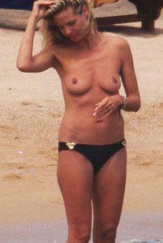 Красотка Хайди Клум топлесс в Сардинии, Август 2011