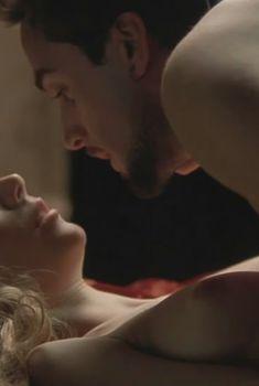 Гвинет Пэлтроу оголила грудь в фильме «Влюблённый Шекспир», 1998